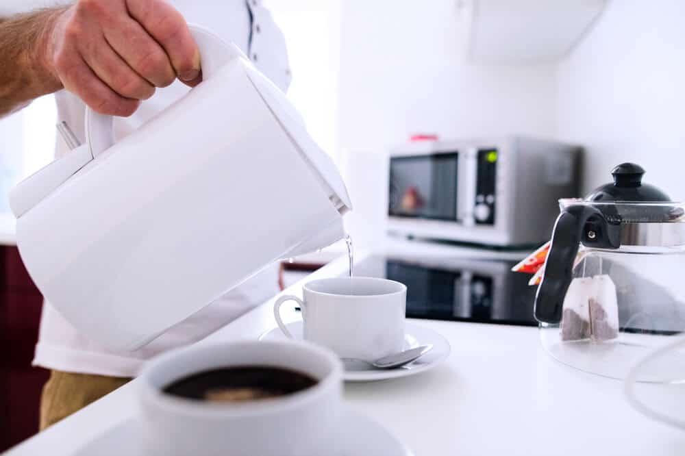 water boil in microwave